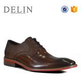 人のためのほとんどの普及したOEMの工場人の靴革の靴