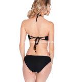 Сексуальные повелительницы вяжут двухкусочный Swimwear крючком Бикини