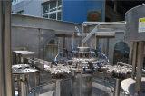 Ligne remplissante automatique de mise en bouteilles d'eau minérale de bouteille d'animal familier