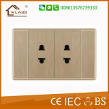 Universal Standard Universal Triple Receptacle 3 Pole Wall Socket