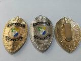 Custom irrégulière insigne de police plaqué argent (GZHY-d'un insigne-015)