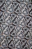 優雅な白黒多彩な刺繍パターンが付いている新式のポリエステルレースファブリック