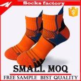 Kundenspezifische klare Farben-Socke