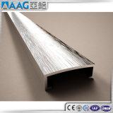 Perfil de lustro personalizado do alumínio do triângulo da escova