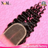 Fechamento natural Curly Kinky do laço da venda por atacado do cabelo humano do cabelo Curly malaio do Virgin