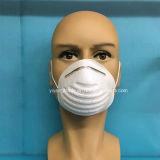 Un pli face de la coupe du masque avec de contour