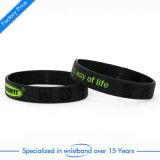 Il Wristband stampato vendita calda per il regalo gradua la muffa secondo la misura promozionale di schiaffo