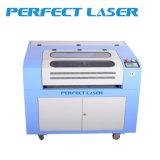 Tagliatrice dell'incisione del laser del CO2 per il tessuto del cuoio di pattini del panno