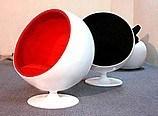 디자이너 Eero Aarnio 계란 깍지 섬유유리 공 의자