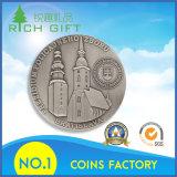 それのタワーのロゴの純粋で旧式な銀貨