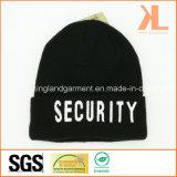 Теплая акриловая связанная черная шляпа вышивки воинской обеспеченностью белая