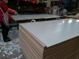 MDF del color de la caoba africana, MDF de la melamina, tarjeta de la melamina del MDF de los muebles, talla 1220X2440X15m m