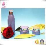 プラスチックかアルミニウムねじカバーが付いているガラス装飾的な瓶、クリーム色のびん