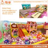 Campo de jogos interno do projeto o mais novo, campo de jogos interno das crianças da fábrica macia