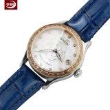 Montre-bracelet bleue artificielle ronde de quartz de courroie en cuir
