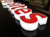 간이 식품 상점 이름을%s 분명히된 3D 편지 표시