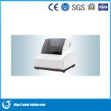 Vicino all'analizzatore/strumento del laboratorio/strumentazione di laboratorio infrarossi