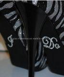 O ferro de cristal do motivo dos Rhinestones dos produtos da etiqueta do casamento da decoração do Natal no Applique remenda a faixa de fixação de Strass para o vestuário ou as sapatas do traje