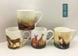Tazza di ceramica animale della foresta selvaggia