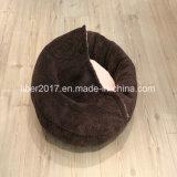 Base dell'animale domestico della base di sonno del gatto della base di sofà dell'animale domestico con il cappuccio