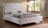 高い房状の頭板の寝室の革ベッド