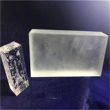 Glassando il solido di cristallo dell'alta qualità