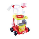 Glücklicher Familien-Baby-Haushalts-Plastikreinigung bearbeitet Spielzeug