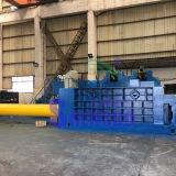 Push out Aparas de ferro prensa de enfardamento automático (fábrica)
