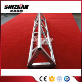 Алюминиевый треугольник опорных осветительная мачта опорных фоне опорных