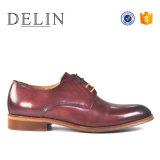 OEMの工場最もよい価格メンズ服の靴革