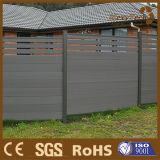 El múltiplo diseña la cerca de madera de la aislamiento del compuesto WPC