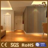 Los paneles de pared decorativos de interior plásticos de madera del PVC del compuesto WPC