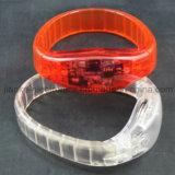 Leuchten heiße verkaufenbevorzugung der partei-2016 LED dem Wristband mit Firmenzeichen gedruckt (4011)