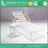 백색 색깔 옥외 알루미늄 옆 테이블