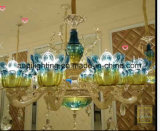 Dourados de vidro azuis morrem as luzes de cristal do candelabro da carcaça