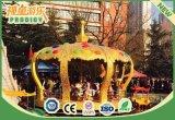 Il carosello esterno del campo da giuoco allegro va macchina del cavallo del tondo per i bambini