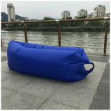 膨脹可能な空気ソファーの不精なスリープの状態であるラウンジ袋のハンモックおよびプールの浮遊物の船速く