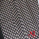 服またはブラウスのための100%年のポリエステル黒く白い点の軽くて柔らかいファブリック