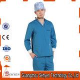 O pessoal hospitalar 100% da V-Garganta do algodão esfrega uniformes com luva curta