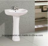 Un design moderne Lavage à la main d'un lavabo sur pied