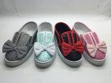 La nueva manera del estilo embroma los zapatos con la decoración del cequi (6114)