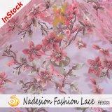 Tessuto caldo in rilievo del merletto di Embrooidered del trivello del nuovo di arrivo 3D del fiore tessuto del merletto