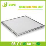 Cuerpo blanco de 40W panel de techo LED blanco frío Panel teja plana Super brillante luz del panel de 600 X 600