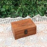 오래된 색깔을%s 가진 저장을%s 주문을 받아서 만들어진 미완성 나무로 되는 장방형 나무 상자