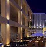 ホテルの駐車場の照明LED壁に取り付けられたランプ