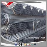 Il buon prezzo ha galvanizzato i tubi d'acciaio filettati con le protezioni della plastica e dell'accoppiamento
