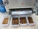 機械キャンデーメーカーの製造者を作る小さく大きいキャンデーは完了するセリウムISO9001の証明書(GD150/300/450/600)が付いている飴玉の沈殿ライン製造業者を
