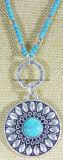 Manier om de Halsband van de Tegenhanger die met de Turkooise Natuurlijke Halsband van de Steen voor Ketting van de Parels van Vrouwen de Anti Zilveren Turkooise Ronde wordt gesimuleerd