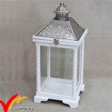 S / 2 Blanco Vintage apenado antigüedad de la linterna de la vela de madera con metal superior para la decoración de la boda