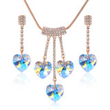 Juwelen van het Hart van de Legering van het Bergkristal van het Kristal van ab de Blauwe Romantische die voor Valentijnskaart worden geplaatst